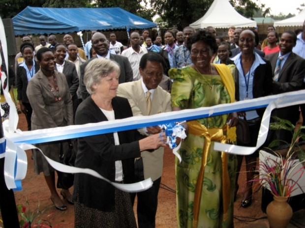 H.E. Bjørg S. Leite and other chief guests cut the ribbon to officially open the JRP office